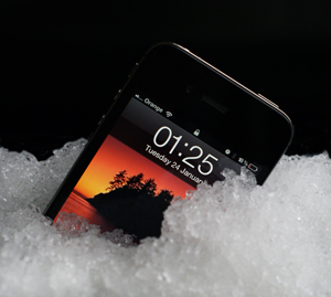 iphone-in-gel